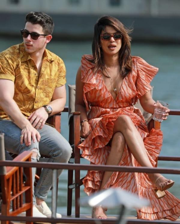 Priyanka Chopra, Nick Jonas are all lovey-dovey in the city of love